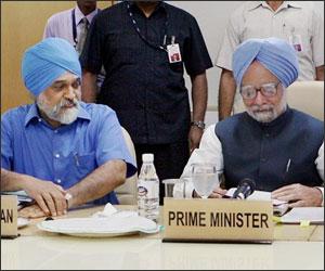 Montek Singh Ahluwalia and Manmohan Singh
