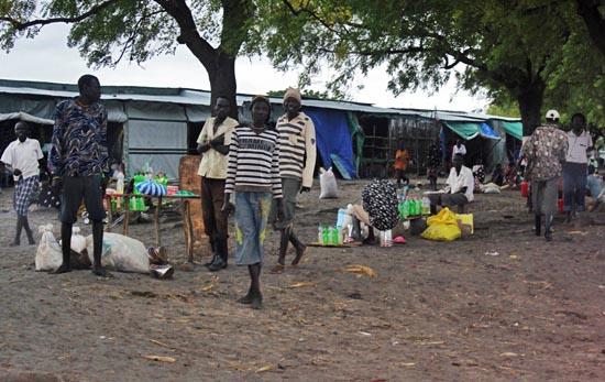 A market in Pibor County, Jonglei State. [©Gurtong]