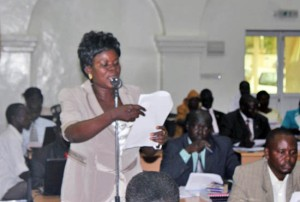 Chairperson of the Central Equatoria State draft constitution ad-hoc committee Jenifer Yobu makes a presentation before the Assembly. [©Gurtong]