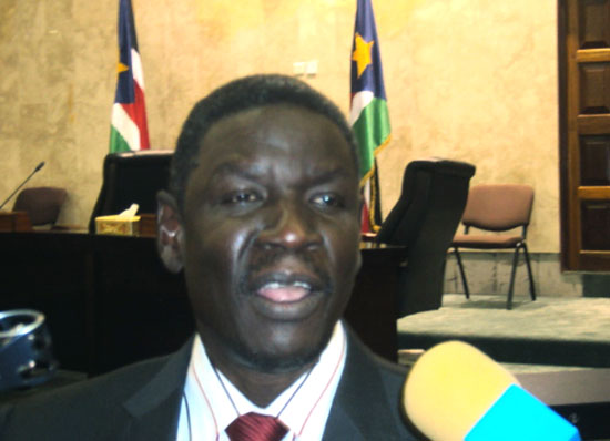 Henry Dilah Odwar speaking to the press after the deliberation at the national parliament in Juba [©Gurtong]
