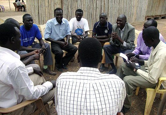 Rumbek FM staff planning the BBCWST supported discussion programmes [©foter.com]