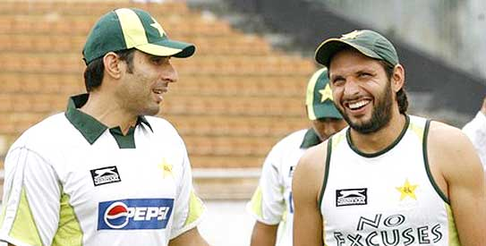 Eyebrows raised on the instant selection of Shahid Afridi