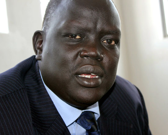 Mr. Deng Dau speaking to the press at the National Assembly premise in Juba [©Gurtong]