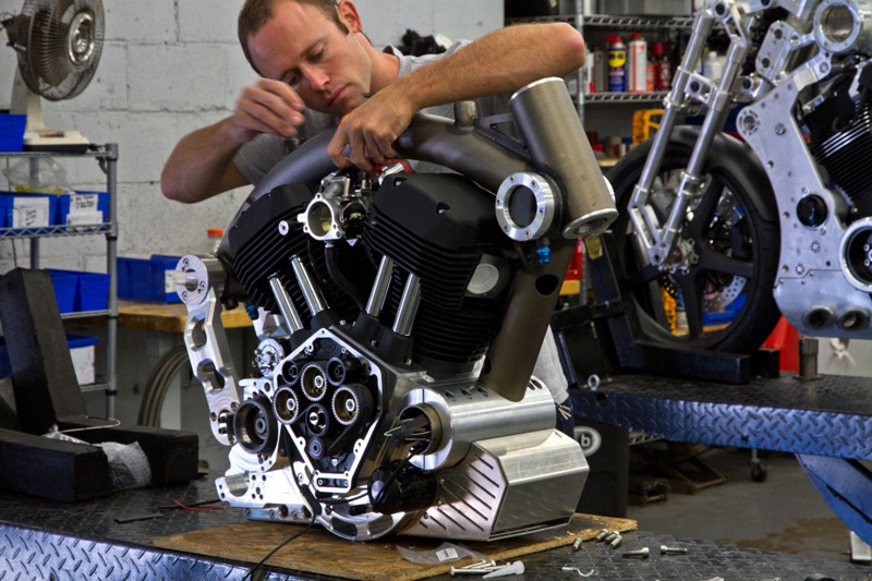 The engine case serves as a structural component of the frame.