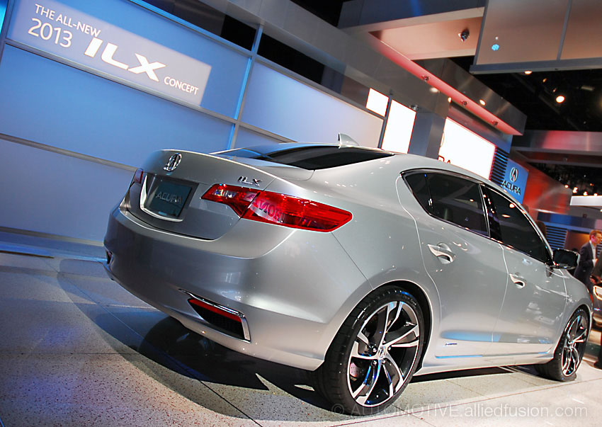 Acura's latest small car, and a stylish one at that. The 2013 Acura ILX