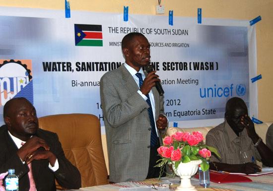 Governor Bangasi Joseph Bakosoro addressing participants during the workshop [©Gurtong]