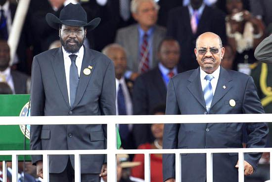 (L-R) Presidents Salva Kiir and Omar Al-Bahir during South Sudan's independence celebrations