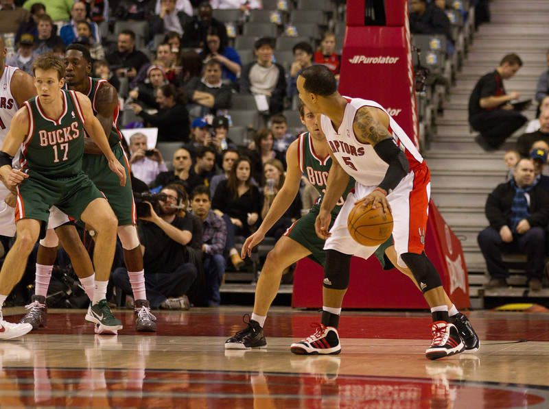 Raptors guard Jerryd Bayless (right) was effective distributing the ball along with Jose Calderon in the back court. He was forced to leave the game in the third quarter after re-injuring his strained left ankle (JP Dhanoa)