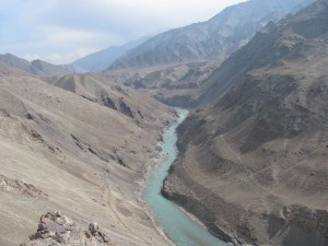 Indus River that links the states of Pakistan and India