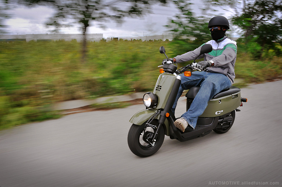 Riding 50cc scooters from Yamaha | Oye! Times