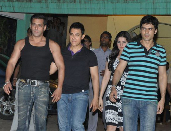 Salman Khan Aamir Khan Zarine Khan and Niketan Madhok.