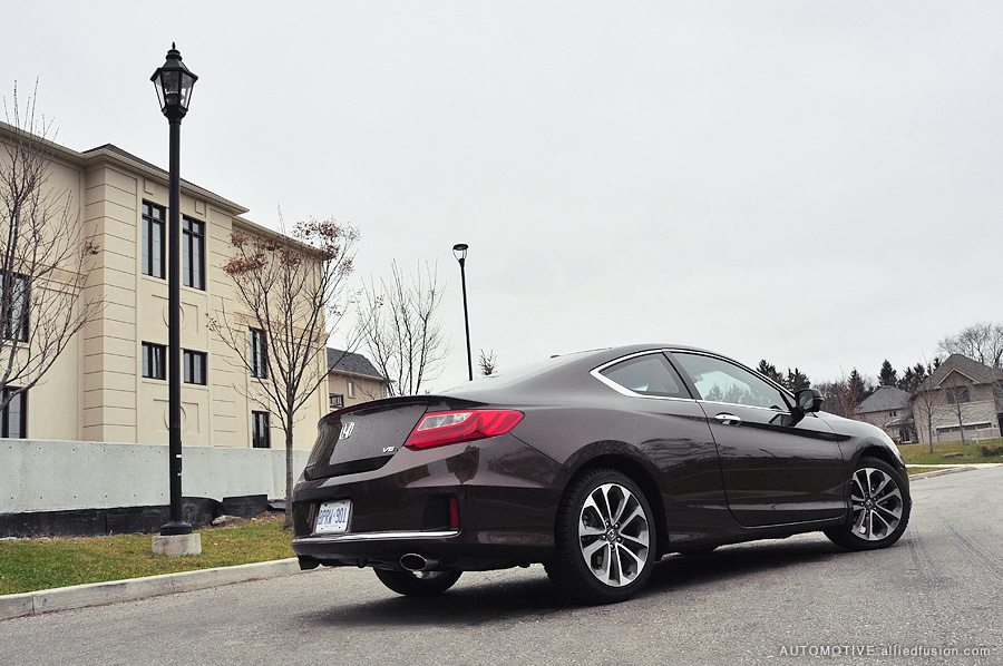 Rear profile of the 2013 Honda Accord V6 Coupe