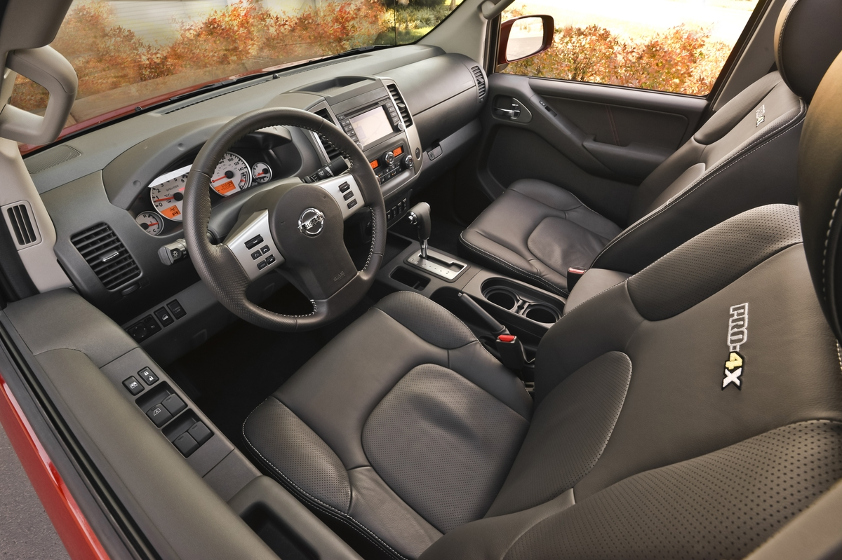 The cabin of the Leather Package equipped Frontier PRO-4X