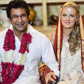 Wasim Akram with wife Shaniera Thompson