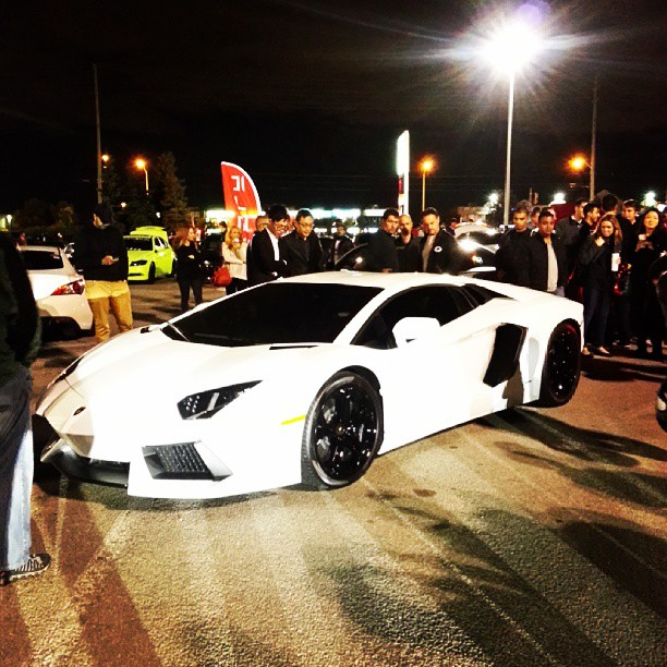 A Lamboghini Aventador, a real crowd pleaser [Photo: @loakeetho]