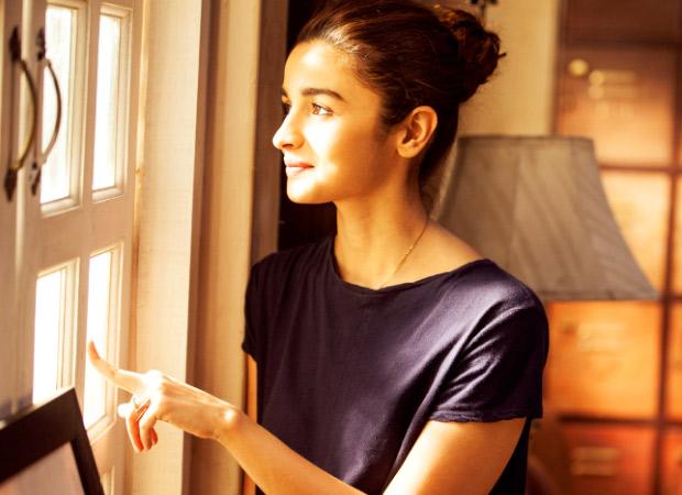 Watch How Alia Bhatt handles break-up