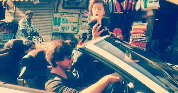 Shah Rukh Khan takes AbRam on a convertible car ride -1