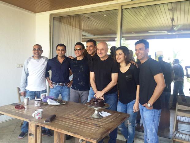 Akshay Kumar, Taapsee Pannu celebrate Anupam Kher's birthday with the team of 'Naam Shabana'