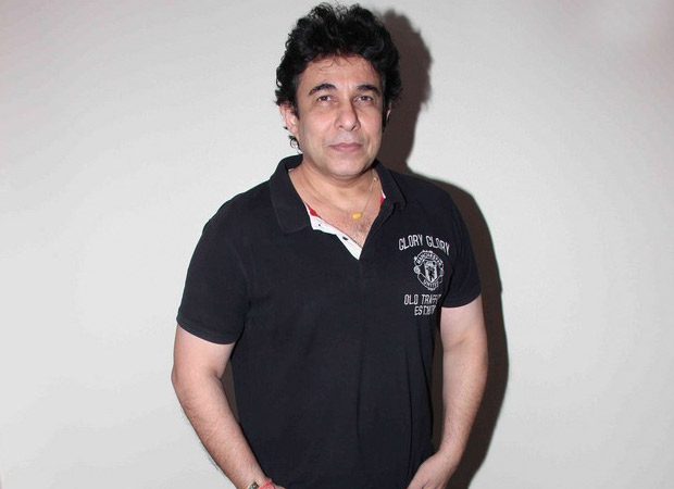 Deepak Tijori's wife is not his wife Still, she has applied for divorce. Here's how and why!