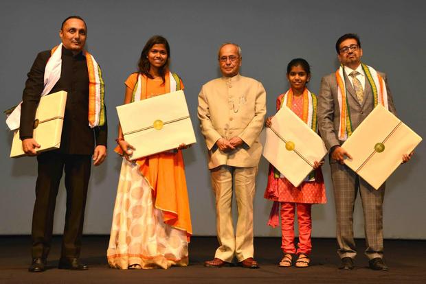 Rahul Bose and Poorna team felicitated by President Pranab Mukherjee