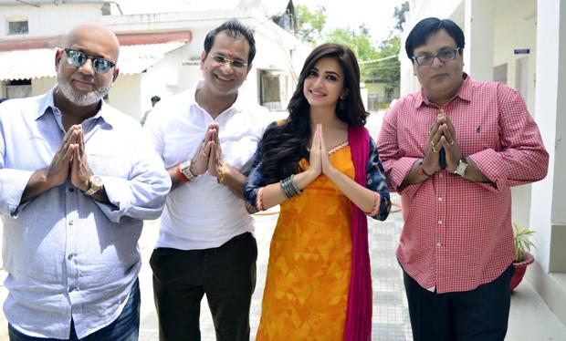 Rajkummar Rao and Kriti Kharbanda on the sets of Shaadi Mein Zaroor Aana-2