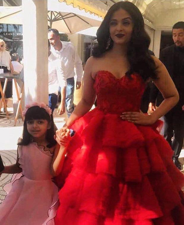 Aishwarya Rai Bachchan took her daughter Aaradhya Bachchan as her date to Cannes 2017-1