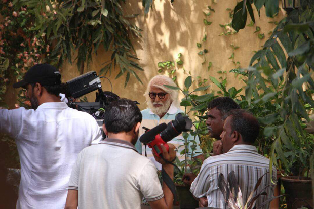 Amitabh Bachchan and Rishi Kapoor begin shooting for 102 Not Out on the streets of Mumbai-2