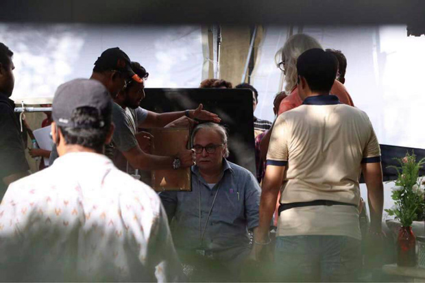 Amitabh Bachchan and Rishi Kapoor begin shooting for 102 Not Out on the streets of Mumbai-3