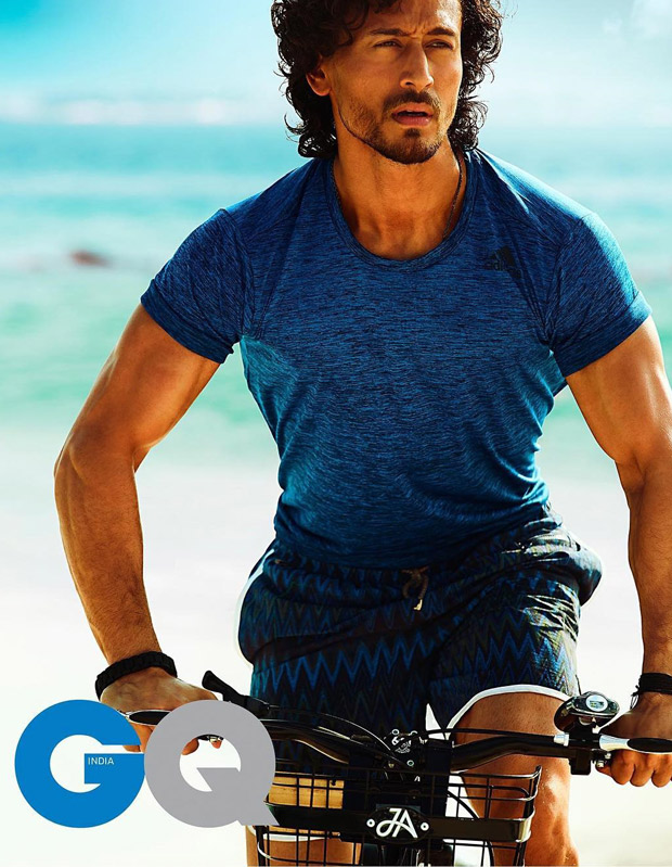 HOT! Tiger Shroff looks sexy as he gives us a glimpse of his beach workouts-3