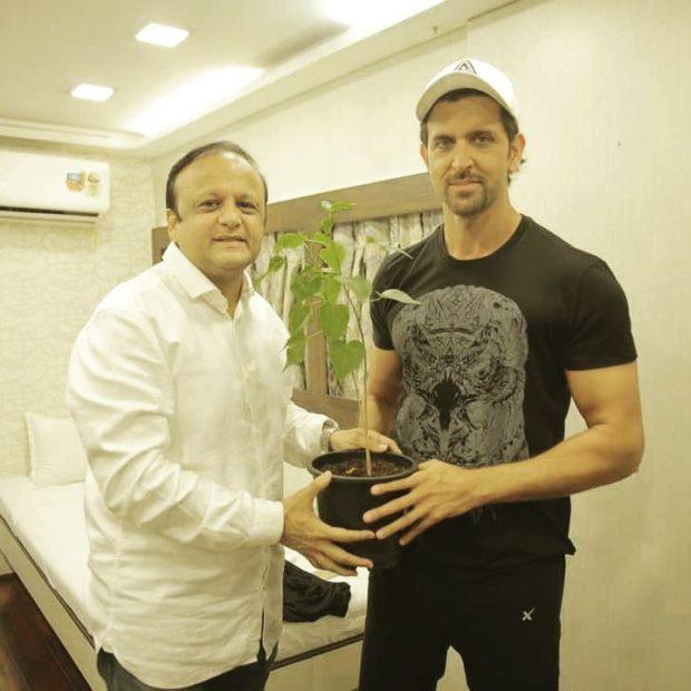 Hrithik Roshan joins hands