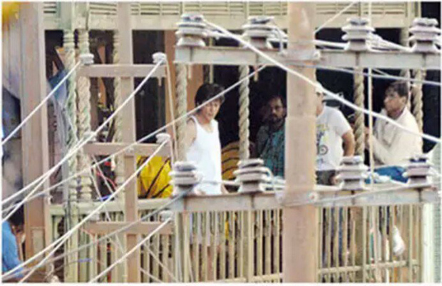 Shah Rukh Khan begins filming for Aanand L Rai's untitled next in which he plays a dwarf