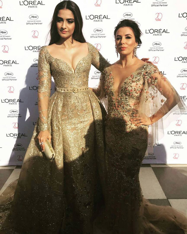 Sonam Kapoor shares a fun moment with Hollywood stars Eva Longoria and Andie MacDowell-2