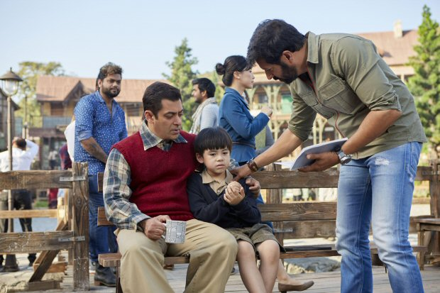 BEHIND THE SCENES Salman Khan and Kabir Khan working during the shoot of Tubelight