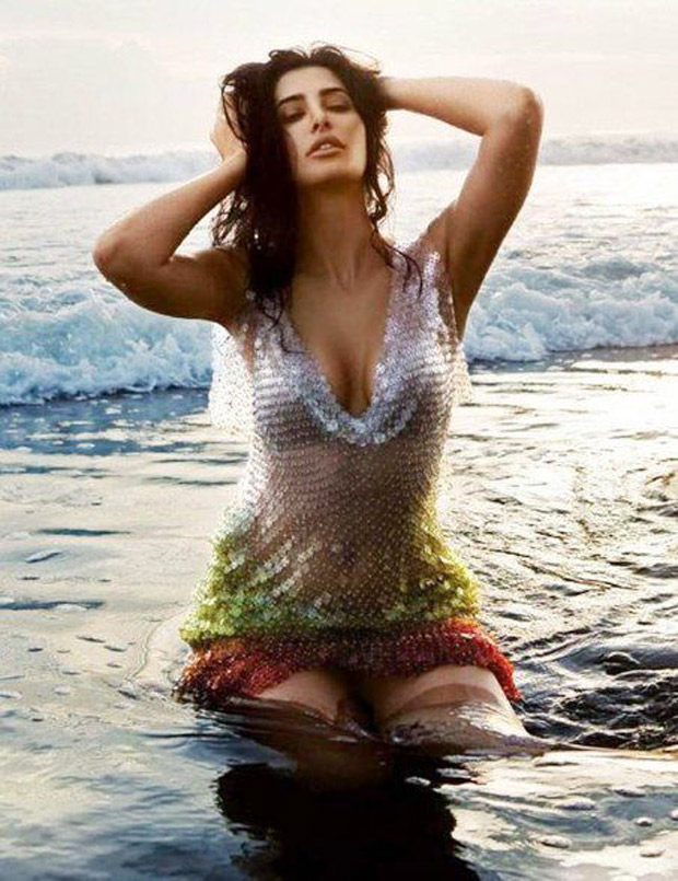 HOT! Nargis Fakhri gives us motivational goals that we can't ignore