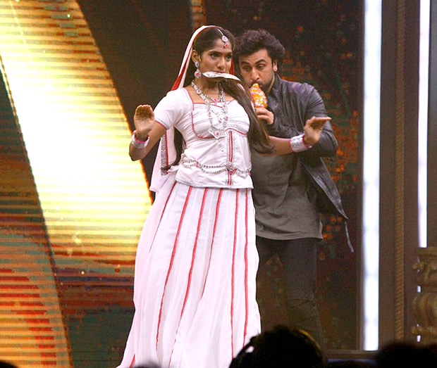 OMG! Ranbir turns into a snake charmer for THIS LADY!