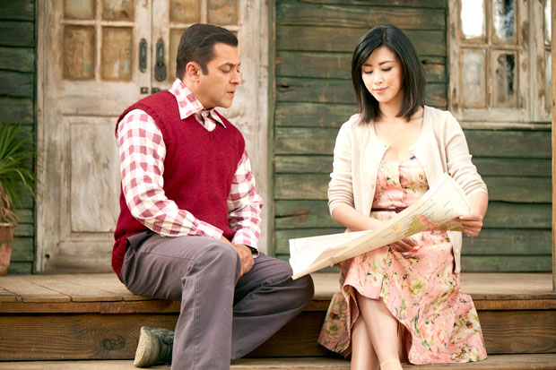 Oh Wow! Salman Khan turns Hindi teacher for Zhu Zhu