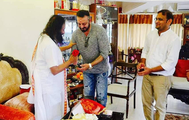 SIMPLY DIVINE! Sanjay Dutt meets with Sri Sri Ravi Shankar-(4)