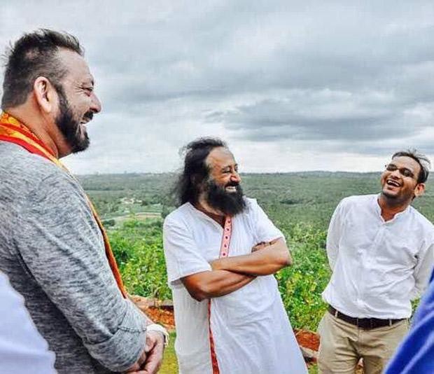 SIMPLY DIVINE! Sanjay Dutt meets with Sri Sri Ravi Shankar