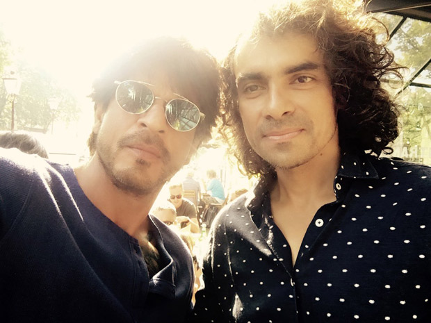Shah Rukh Khan cracks a joke on Imtiaz Ali's hair. Guess who is having the last laugh!