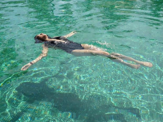 Sushmita Sen enjoys her summer days swimming in a pool