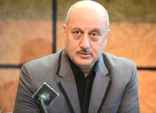 Anupam-Kher-gives-back-to-British-journalist-for-taking-a-dig-at-the-lack-of-sanitation-in-India
