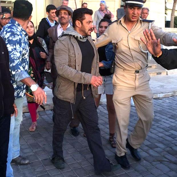 Check out Ali Abbas Zafar gives the new glimpse of Salman Khan's look during Morocco shoot of Tiger Zinda Hai-3