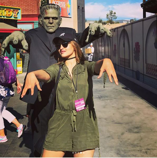 Check out Sonakshi Sinha brings out her inner child during her visit to Universal Studios-4