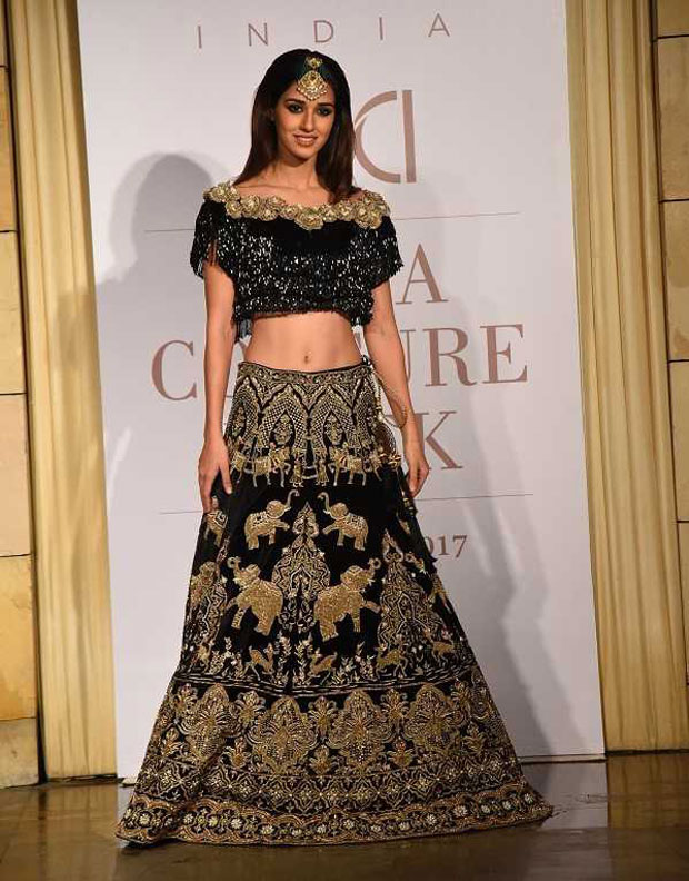 Gorgeous Disha Patani walks the ramp on Day 2 of India Couture Week_01