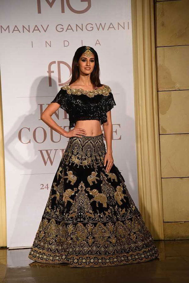 Gorgeous Disha Patani walks the ramp on Day 2 of India Couture Week_04