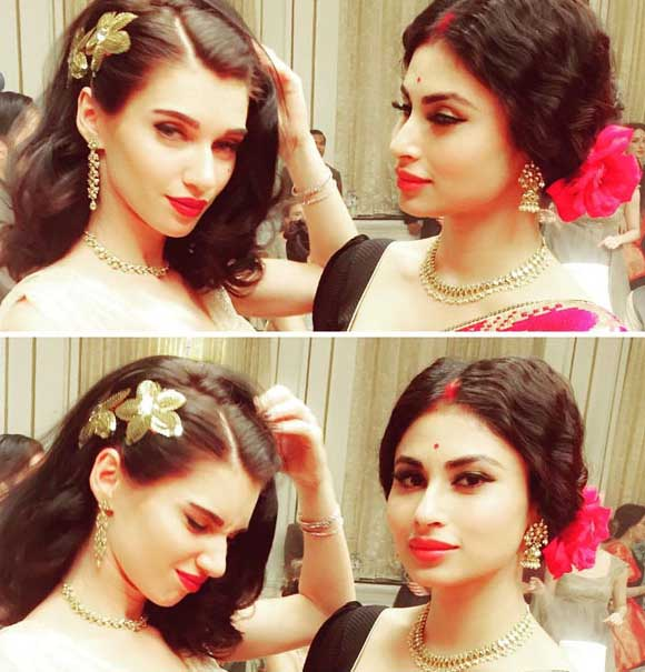 Mouni Roy looks gorgeous in this new song for Gold along with model Scarlett Wilson-2