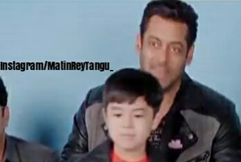 OMG! Salman Khan and THIS STAR pose for the cameras wearing similar jackets!1
