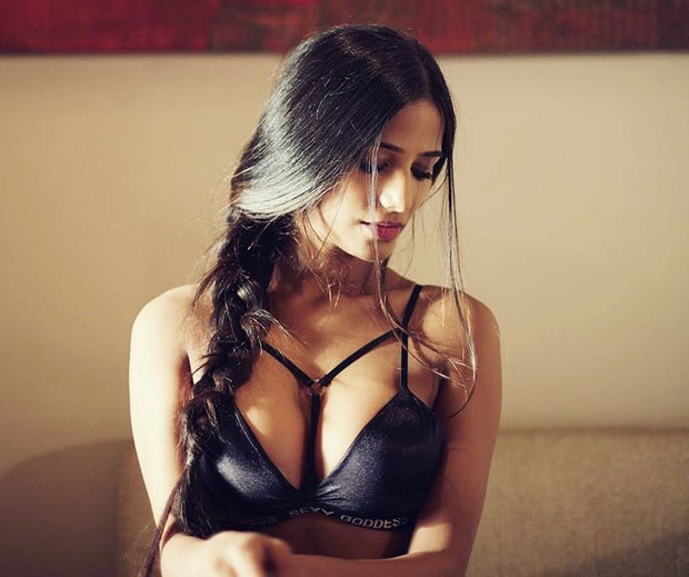 Poonam-Pandey-wants-YOUR2
