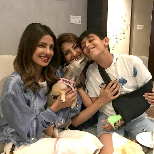 Sonali Bendre bonds with Priyanka Chopra-1