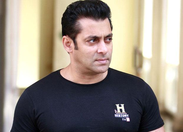 WOW!-Salman-Khan-rides-horse-like-a-pro-on-the-sets-of-Tiger-Zinda-Hai